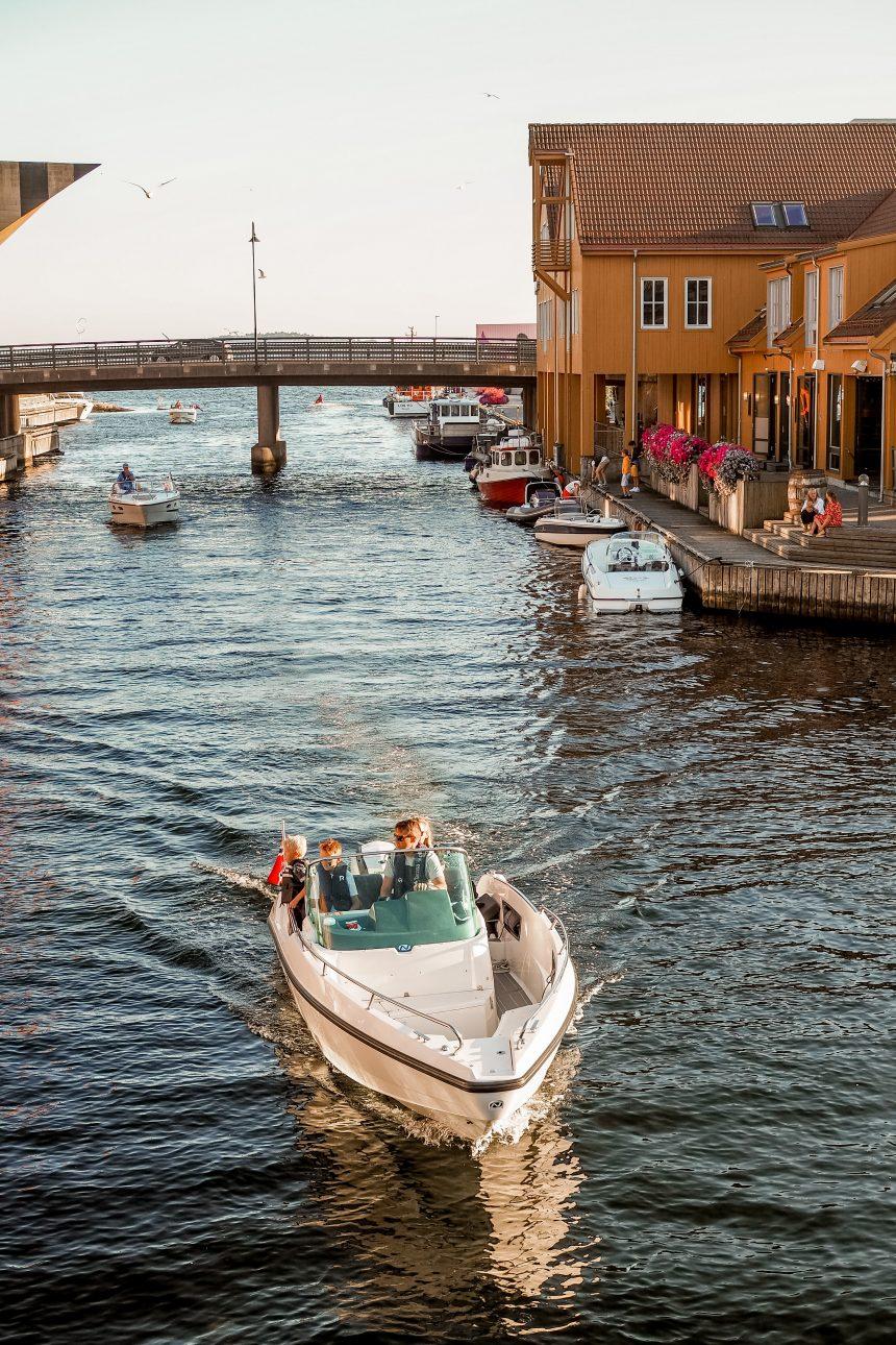 Kristiansand – przewodnik po norweskim Miami